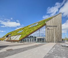 expo in Norway with ZinCo pitched green roof systems
