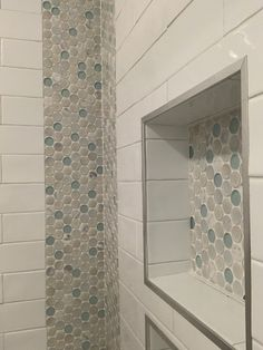 We used the inside corner to create design as a vertical tile border and matched the finish with the inside of the niche. Bathroom Border Tiles, Shower Accent Tile, Bathroom Accents, Bathroom Layout, Bathroom Ideas, Shower Ideas, Condo Bathroom, Downstairs Bathroom, Bathroom Renovations