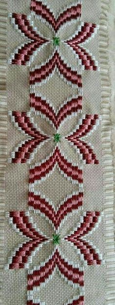 This Pin was discovered by fat Bullion Embroidery, Hardanger Embroidery, Hand Embroidery Stitches, Cross Stitch Embroidery, Cross Stitch Patterns, Broderie Bargello, Bargello Needlepoint, Needlepoint Patterns, Plastic Canvas Crafts