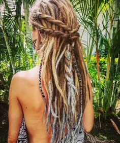 These are amazing and beautiful. I only hope that someday mine will look like this. - - # rasta Braids frisuren These are amazing and beautiful. I only hope that someday mine will look like this. Hippie Dreads, Hippie Hair, Locs, Dreadlocks Girl, Blonde Dreads, Curly Hair Tips, Braids For Short Hair, Curly Hair Styles, Box Braids