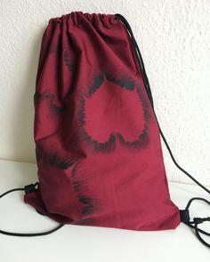 Kész az új levél mintás hátizsák, már csak vasalni kéne😃 . . . . #kissedstitch #bag #backpack #gymbag #drawstringbag #sewingaddict #isew… Bagan, Drawstring Backpack, Marvel, Backpacks, Stitch, Fashion, Moda, Full Stop, La Mode