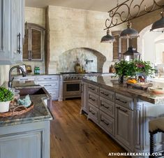 French Country Kitchens, French Kitchen, French Country Decorating, Kitchen And Bath, New Kitchen, Kitchen Decor, Country Bathrooms, Kitchen Grey, Country French