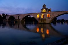 The Saint Benezet Bridge in Avignon at night :-) Places Ive Been, Places To Go, Visit France, Aix En Provence, French Countryside, Ancient Ruins, Rhone, World Of Color, Paris France