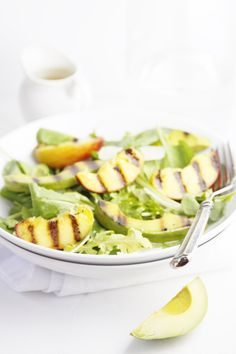 Grilled Peach and Avocado Summer Salad via @Paula - bell'alimento // The perfect excuse to try grilled avocados (if you haven't yet)! #salad #recipe
