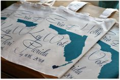 These are the perfect totes for any destination wedding. State can be customized to any state/country. via ilu.lily designs on Etsy #wedding #destinationwedding #bridalparty