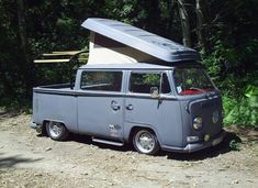 VW Double Cab Bus Camper, shure like to have one. Vw T2 Camper, Vw Kombi Van, Volkswagen Bus, Vw T1, Combi T1, Suzuki Carry, Wheels On The Bus, Unique Cars, Camping