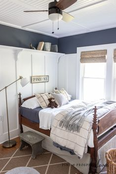 Vintage sports themed boys bedroom decor Cottage Style Bedrooms, Cottage Homes, Modern Cottage, English Cottage Style, Minimal Bedroom, Simple House, Simple Living, Home Decor Inspiration, Decoration