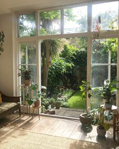 The Effective Pictures We Offer You About Balcony Garden privacy A quality picture can tell you many things. You can find the most beautiful pictures that can be presented to you about Balcony Garden World Of Interiors, Home Vegetable Garden, Home And Garden, Back Gardens, Outdoor Gardens, Indoor Outdoor, Balkon Design, Studios, Design Apartment
