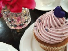 TabiEats: Asiatique and More Cupcake Love