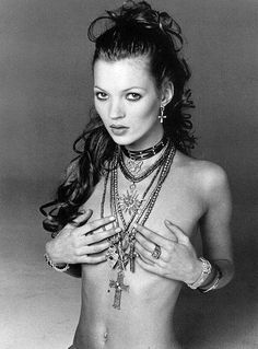 maliciousglamour: Kate Moss, 1993 Photographer: Francesco Scavullo (via poisonous, lincendie) (via Francesco Scavullo, Ella Moss, Heroin Chic, Queen Kate, Glamour, Belle Photo, 90s Fashion, Fasion, Style Icons