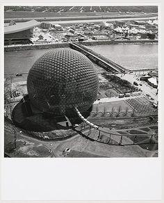 R. BUCKMINSTER FULLER United States Pavilion under construction, Expo 67, Montréal, Québec.