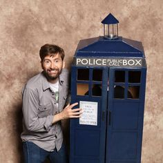 A fun photo from a fan convention - there is someone inside that TARDIS!  #DoctorWho