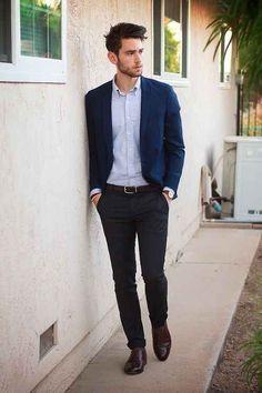 Opta por cinturones de la misma paleta de color que tu pantalón.