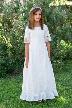 PILAR DEL TORO: colección primera comunión 2016 Girls First Communion Dresses, Baptism Dress, Pretty Dresses For Kids, Maria Rose, Wedding With Kids, Night Gown, Look, Kids Fashion, Girls Dresses