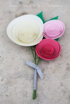 Paper Flower Wedding Bouquet Set Four Bridal Party von FlowerThyme