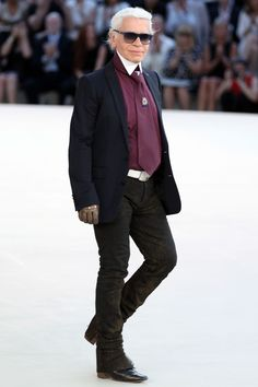 """Karl Lagerfeld """"Sweatpants are a sign of defeat. You lost control of your life so you bought some sweatpants. Karl Lagerfeld, Famous Fashion Quotes, Flare, Wedding Suits, Celebrity Photos, Celebrity Beauty, World Of Fashion, Fashion Fashion, Outfit Of The Day"""