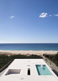 "VT House ""house of the infinite"" // Alberto Campo Baeza // Cadiz // Spain Contemporary Architecture, Landscape Architecture, Architecture Design, Contemporary Homes, Minimal Architecture, Cadiz Spain, Andalusia, Cool Pools, Pool Designs"