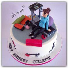 gym cake More Adult Birthday Cakes, Birthday Cakes For Women, Fondant Cakes, Cupcake Cakes, Fitness Cake, Gym Cake, Grandma Cake, Bike Cakes, Sport Cakes