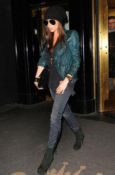 victoria beckham style | Stylish Starlets: Street Style: Victoria Beckham