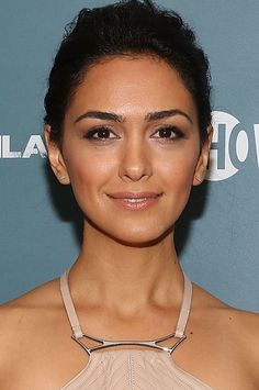 Nazanin Boniadi Pictures and Photos Iranian Actors, Get Movies, Girl M, Dark Brown Eyes, Olive Skin, Face Characters, Female Actresses, About Time Movie, Movie Photo