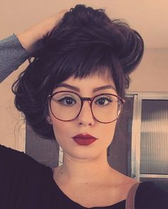 New Glasses, Girls With Glasses, Pretty Makeup, Makeup Looks, Fashion Eye Glasses, Wearing Glasses, Womens Glasses, Tumblr Girls, How To Make Hair