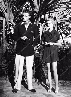 photo candid Robert Sweeney (amatuer golfer) Barbara Hutton 1365-35 Money couldn't buy love for her