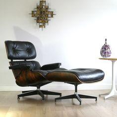 Charles en Ray Eames    Model  Eames Lounge (670/671)    Fabrikant  Herman Miller    Jaar  1956
