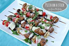 How fun is this to make with the kiddos??  PIZZA ON A STICK!  Such a fun twist…