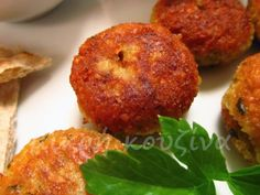 Falafel with yoghurt or tachini sauce How To Cook Beans, Falafel, Baked Potato, Food To Make, Muffin, Cooking Recipes, Favorite Recipes, Breakfast, Healthy
