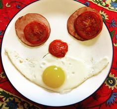 Yum! Nothing like a healthy breakfast that smiles back at you. Happy Monday everyone! #mkmay #yum #MacKid