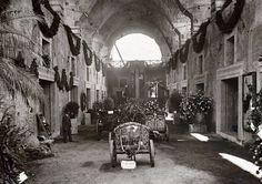 Mercati di Traiano (sconosciuto, 1930) Festa dei fiori nella grande aula