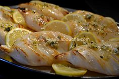 Tintenfisch à la Plancha mit Knoblauch-Petersilie-Zitrone © Ana Luthi Alle Rechte vorbehalten . Grilling Recipes, Meat Recipes, Seafood Recipes, Healthy Recipes, Squid Dishes, Fish Dishes, Salty Foods, Fish And Seafood, Healthy Cooking