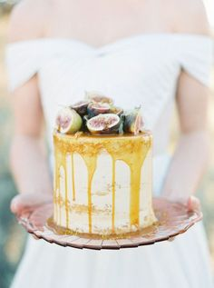 Drip wedding cake   Wedding & Party Ideas   100 Layer Cake Wedding Cake Designs, Wedding Cakes, 100 Layer Cake, Vanilla Cake, Wedding Colors, Deserts, Wedding Inspiration, Party Ideas, Celebrations
