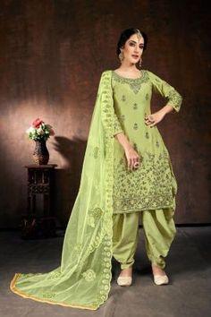 Patiala Suit, Punjabi Suits, Salwar Suits, Green Cotton, Cotton Silk, Readymade Salwar Kameez, Patiyala Dress, Looks Chic, Work Looks