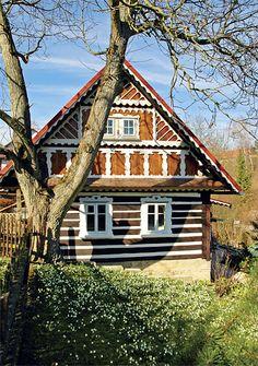 Na bledulkové stráni   Chatař & Chalupář Czech Republic, Hungary, Austria, Europe, Cottage, Cabin, Explore, Country, Architecture