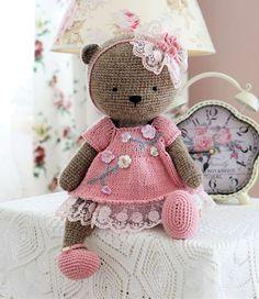Urso Amigurumi com cachecol, confeccionado com fio amigurumi da ... | 272x236