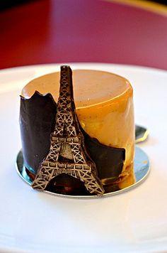 Bûche Caramel (Caramel and Pear Mousse Cake) ❤ Nicole La Pâtissière