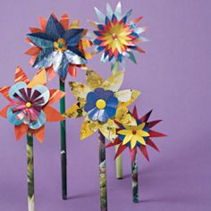 Kids Spring Crafts: glossy paper flowers from thE recycling bin. Paper Flowers Craft, Flower Crafts, Paper Crafts, Flower Art, Kids Crafts, Arts And Crafts, Quick And Easy Crafts, Magazine Crafts, Camping Crafts