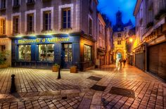 Blue hour in Amboise