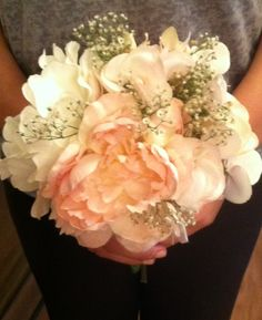 http://www.sosayyou.com/wp-content/uploads/2012/07/wedding-bouquet-babys-breath.jpg