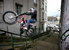 Julien DuPont has been a great ambassador for urban/freestyle trials. With trials motorcycles being made cheaper and cheaper I hope that the sport can pick up popularity. Motorcycles needn't be associated with a mid-life crisis, Motorcycle Types, Motorcycle Art, Baby Bike, Trial Bike, Point Break, Dirtbikes, Cool Bikes, Stunts, Motocross
