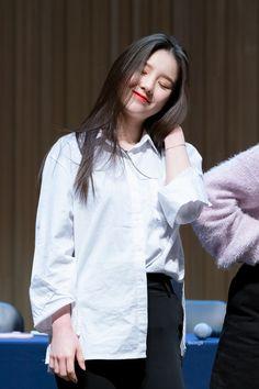 Kpop Girl Groups, Korean Girl Groups, Kpop Girls, Sooyoung, My Girl, Cool Girl, Asian Babies, I Love Girls, Airport Style
