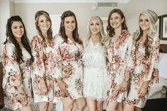 Bridesmaid Robes// Bridal Party Robes// Wedding Party Gift// Bridal Robes// Bride Robe// Set of 4 Ro Bridal Party Robes, Gifts For Wedding Party, Bridal Gifts, Party Gifts, Wedding Ideas, Wedding Inspiration, Bridesmaid Robes, Wedding Bridesmaids, Floral Bridesmaids