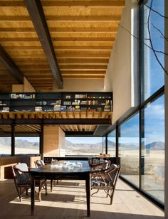 'OUTPOST' BY TOM KUNDIG: AN ARTIST'S HOME IN THE IDAHO DESERT