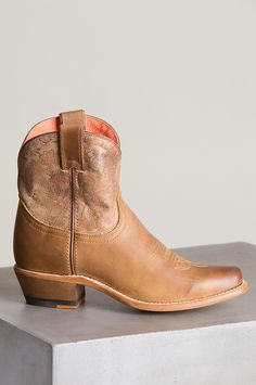 Women's Overland Bailey Leather Ankle Cowboy Boots Ankle Cowboy Boots, Chunky Heel Ankle Boots, Cowboy Boots Women, Chunky Heels, Cowhide Leather, Winter Boots, Floral Prints, Winter Jackets, How To Wear