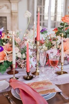 Bright and classical table setting ideas for a colourful, bright ornage and coral wedding with a gold menu design Blush Wedding Stationery, Pink Wedding Invitations, Dusky Pink Weddings, Romantic Weddings, Pink Table Settings, European Wedding, Sophisticated Wedding, Countryside Wedding, Wedding Inspiration