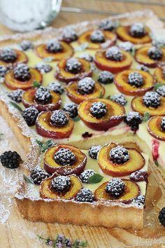 nektárinkovo-černicová tarta