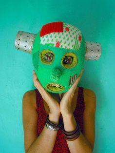 my heads: Stephen SPrake, 22 church Street London NW8 8EP   Cecile PERRA plasticienne: cecile.perra@wanadoo.fr