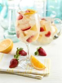 Mitchell's Fish Market Winter Park Moscato White Sangria Fun Drinks, Beverages, White Sangria, Sangria Recipes, Winter Park, Eating Plans, Yummy Yummy, I Love Food, Happy Hour