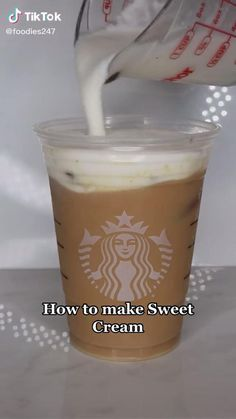 Iced Starbucks Drinks, Bebidas Do Starbucks, Starbucks Coffee, Starbucks Sweet Cream, Coffee Drink Recipes, Coffee Drinks, Comida Diy, Fun Baking Recipes, Yummy Drinks